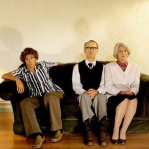 взрослые дети живут с родителями