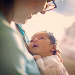 помощь бабушек при депрессии посте родов